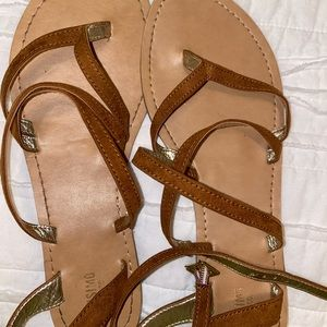 brown/ tan strappy sandals